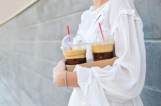 Starbucks entra na guerra contra o plástico